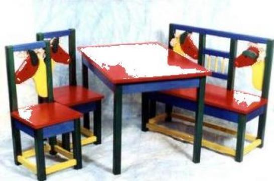 Scaune, masa, bancute copii de la Amik S.r.l