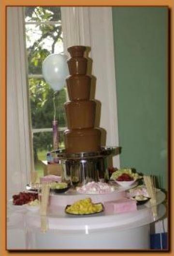Fantana de ciocolata de la Sc Star Events Srl