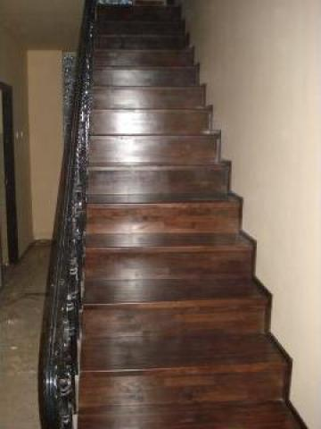 Scara dreapta placata cu lemn masiv de la Bigal Plast