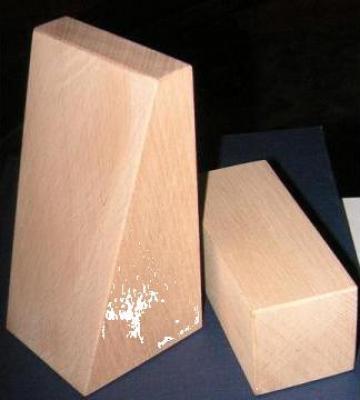 Elemente din lemn pentru industria de publicitate