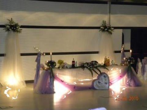 Aranjament decorativ pentru masa prezidiu de la Tiara