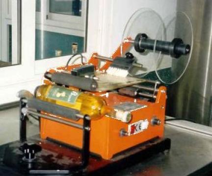 Masina de etichetat semiautomata