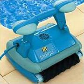 Aspirator robot pentru piscine de la Spider Com Srl