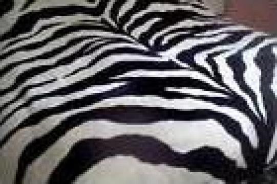 Lenjerii pentru paturi de hotel zebra de la Johnny Srl.