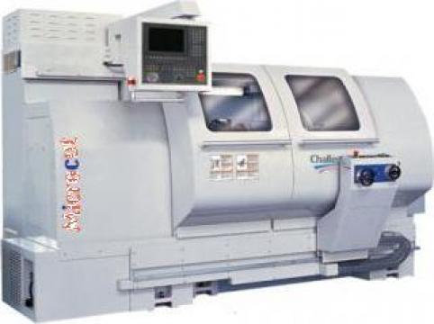 Strung CNC cu batiul drept de la Kerekes&Co Srl
