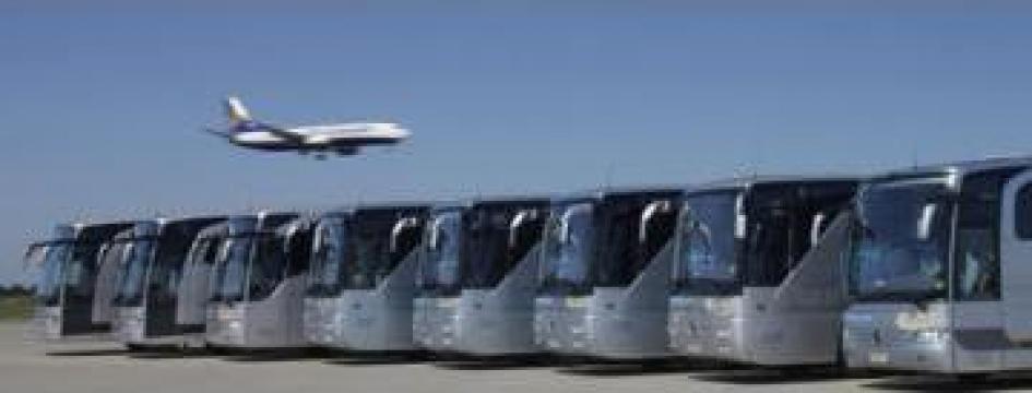 Inchiriere autocare si microbuze de la Condor