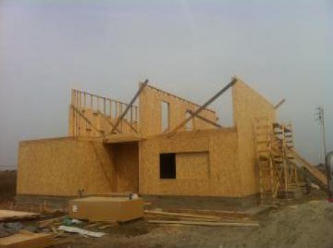 Casa canadiana pe structura din lemn de la Rollux Construct