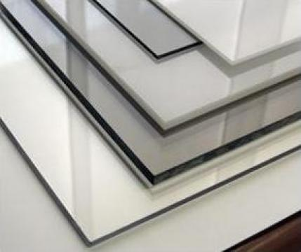 Placi policarbonat compact transparent 3mm de la Geo & Vlad Com Srl