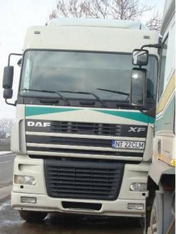Cap tractor DAF XF 95 ( an 2003 ) + semiremorca de la Climatherm S.R.L.