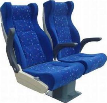 Tapitari scaune tren de la Sirius Srl