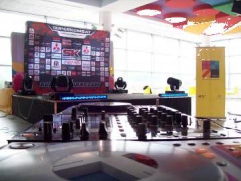 Scena interior-exterior de la Global Electronics Srl