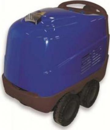Aparat curatat auto cu apa calda de la Tehnic Clean System