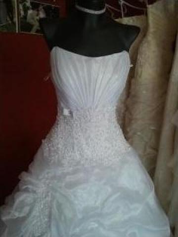 Inchiriere rochii de mireasa de la Kinga Szalon