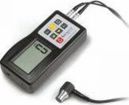 Instrument ultrasonic de masura a grosimii peretelui