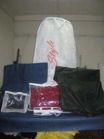 Huse de protectie si transport costume si rochii de la I. I. Corneliu Ferenciuc