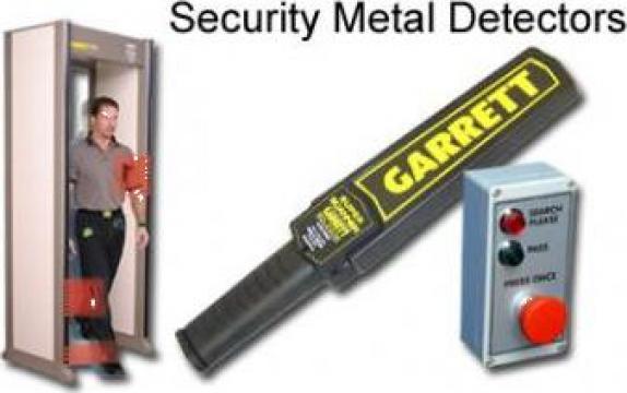 Detector de metale pentru perchezitii corporale Garret de la Iberic Euroconsult Imobiliar S.R.L