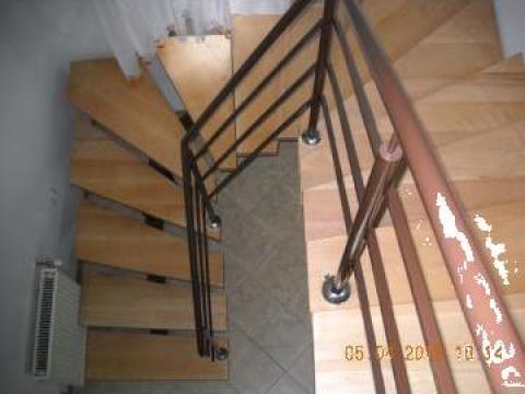 Scara interioara cu trepte din fag aburit de la Alexdor Impex Srl