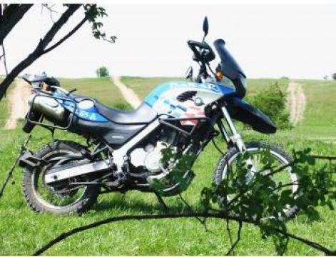 Inchirieri motociclete de la Bike2rent