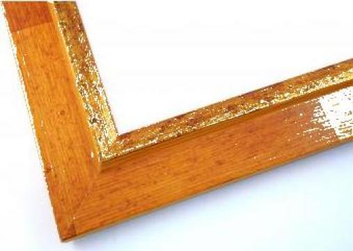 Rama tablou lemn colorat cu auriu de la Frameart Decor Srl.