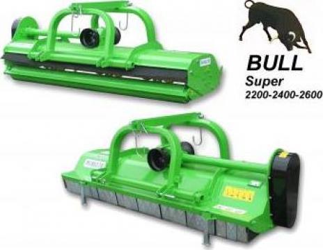 Tocator vegetatie Bull Super 2600