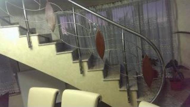 Balustrada de inox si lemn de la Decorare Inox Srl
