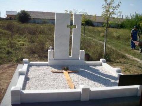 Constructii funerare, cripte, borduri, cruci de la Sim Servicii Funerare SRL