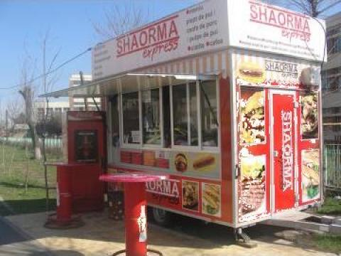 Rulota fast food, echipata