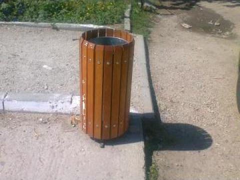 Cos gunoi stradal din lemn de la Urban Biaplus AVR Srl