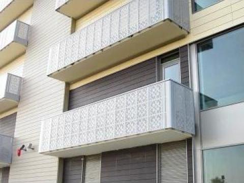 Balustrada metalica de la Moguain Concept Store