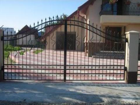Poarta acces auto din fier forjat PO 090 de la Vietta Srl