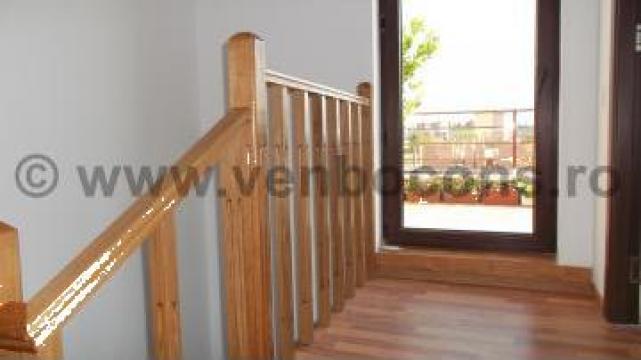 Balustrada lemn masiv stejar de la Venbocons Srl