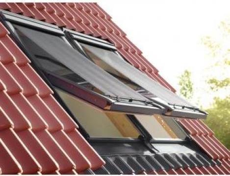 Rulou exterior parasolar Velux de la Astek Concept Construct