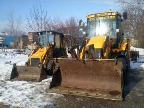 Inchiriere buldoexcavator JCB 3CX Sitemaster 4X4
