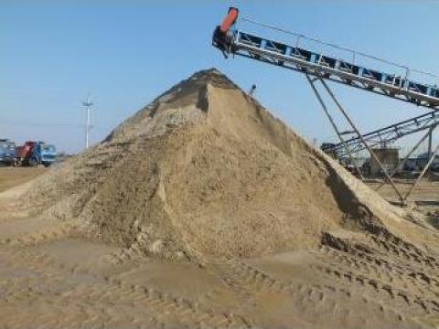 Transport nisip cu bascula de 8x4