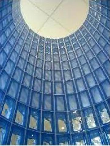 Caramida sticla jumatate 19/9,5/8cm violet de la Geo & Vlad Com Srl