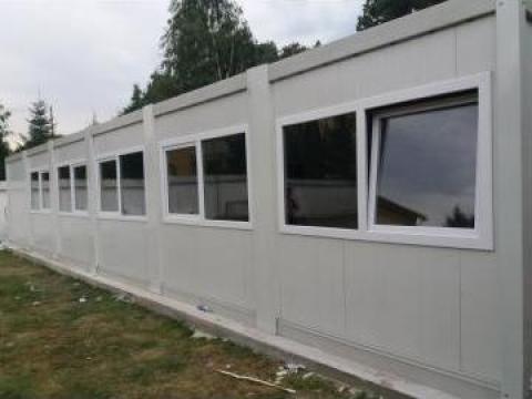 Ansambluri containere