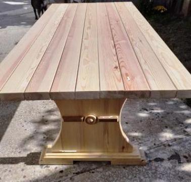 Masa lemn pin de la PFA Georgescu Leonard