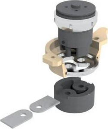Dispozitiv dubla rotunjire si dubla perforare platbanda Geka de la Proma Machinery Srl.