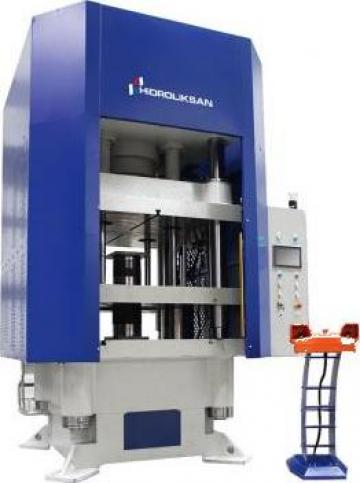 Presa hidraulica cu coloana H cu simplu efect HCFP/300 de la Proma Machinery Srl.