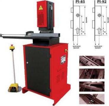 Presa hidraulica pentru decupat locas iale PI85/PI92 de la Proma Machinery Srl.