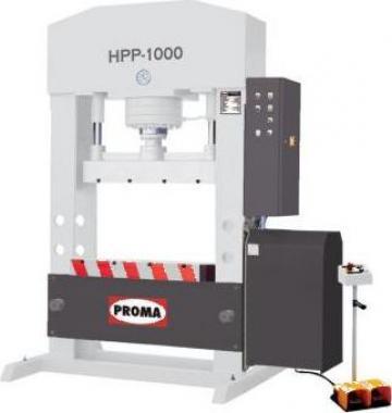 Presa hidraulica universala HPP-1000 de la Proma Machinery Srl.