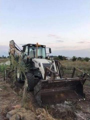Inchiriere buldoexcavator de la Yikim Array Srl