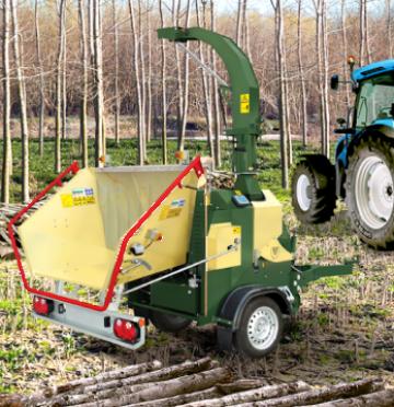 Tocator de crengi dupa tractor Negri C19 de la Progema Forest Srl