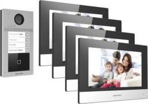 Kit videointerfon Hickvision pentru 4 familii de la Prosystem Srl