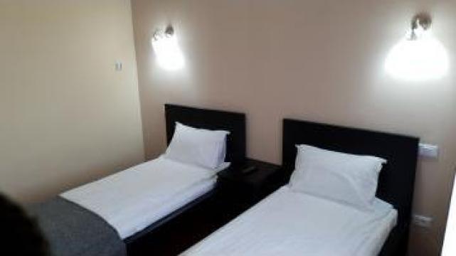 Cazare in motel camera cu doua paturi