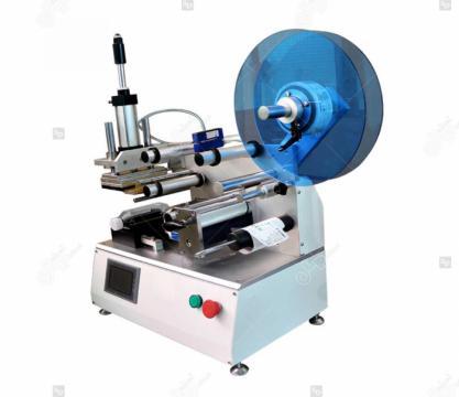 Masina de etichetat suprafete plane, semi-automata, LP-LMT-1 de la Label Print Srl