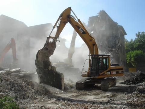 Demolare constructii civile si industrale de la Kremlin Construct Srl