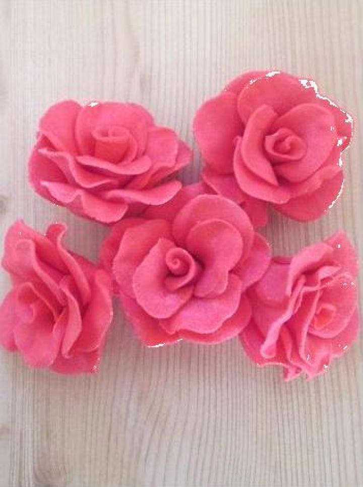 Decor prajituri trandafiri mari