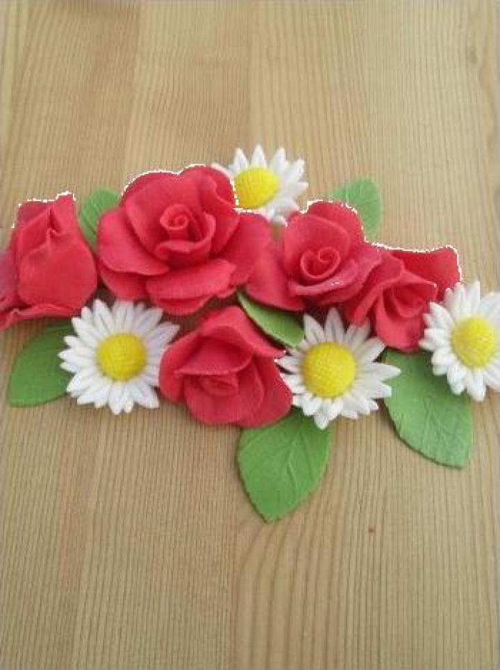 Set decor prajituri trandafiri si margarete