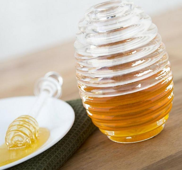 Borcan cu capac si lingura pentru miere